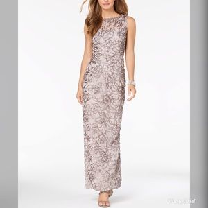 NWT SLNY Women's Sheer Lace Illusion Gown SL213